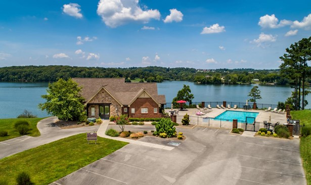 Lake Front,Single Family,Waterfront Access - Louisville, TN (photo 4)