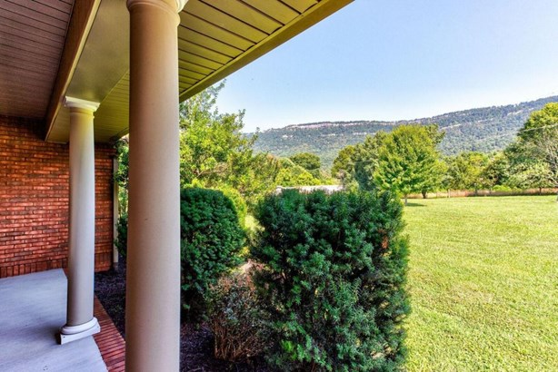 1 1/2 Story,Residential, Traditional - Lafollette, TN (photo 3)
