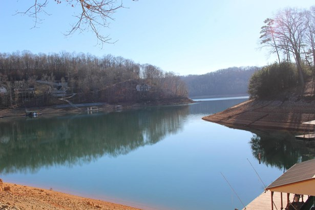 Lake Front,Recreational,Rural,Single Family,Waterfront Access (photo 3)