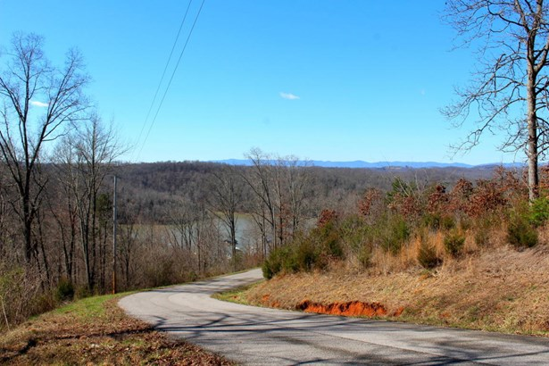 Lake Front,Recreational,Rural,Single Family,Waterfront Access (photo 2)