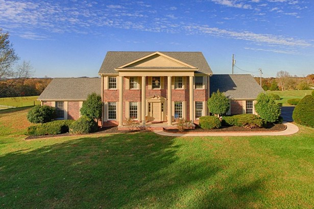Traditional, 2 Story Basement,Residential - Loudon, TN
