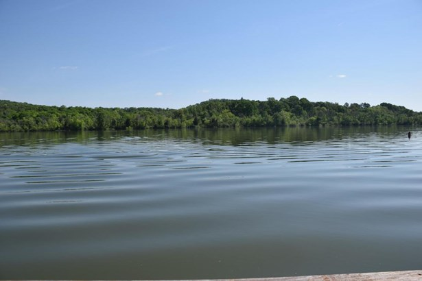 Single Family,Waterfront Access - Loudon, TN (photo 1)