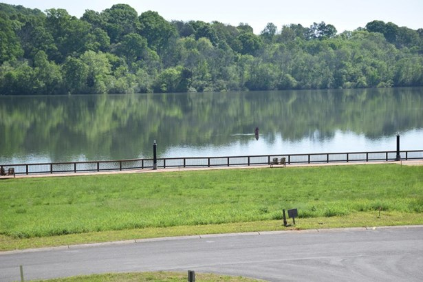 Single Family,Waterfront Access - Loudon, TN (photo 3)