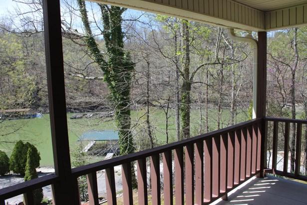 Traditional, 2 Story Basement,Residential - Jacksboro, TN (photo 2)