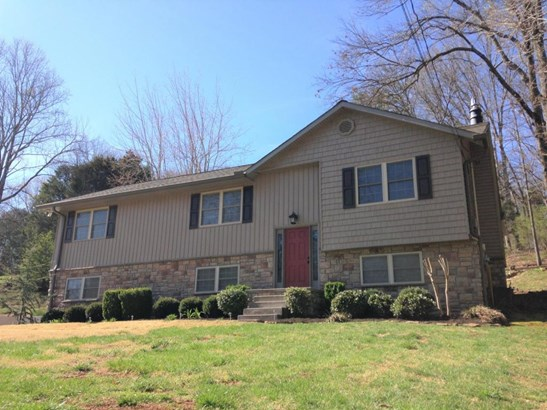 Split Foyer,Residential, Traditional - Knoxville, TN (photo 3)