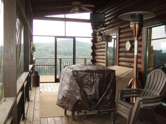 2 1/2 Story,Residential, Log - New Tazewell, TN (photo 4)
