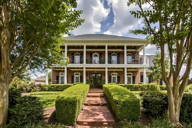 2 1/2 Story,Residential, Traditional - Knoxville, TN