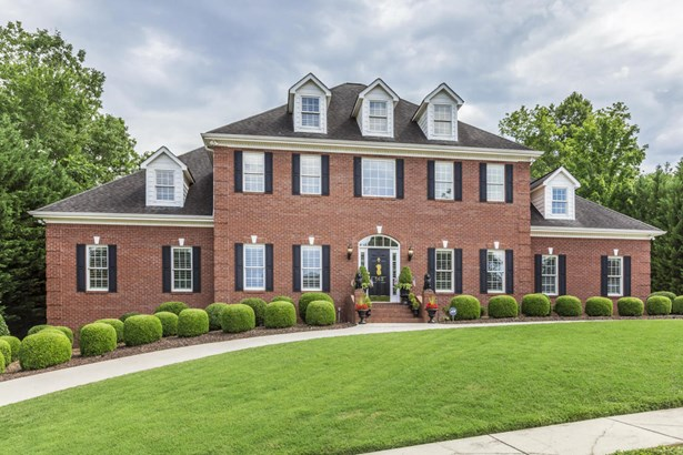 Traditional, 2 Story Basement,Residential - Oak Ridge, TN (photo 1)