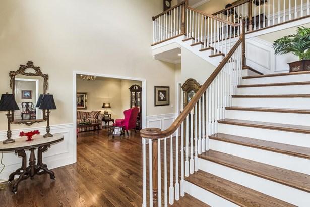 Traditional, 2 Story Basement,Residential - Oak Ridge, TN (photo 3)