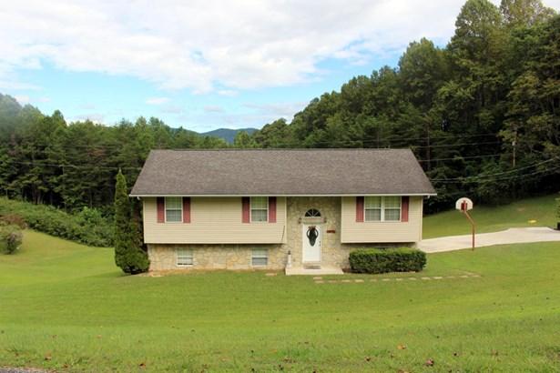 Basement Ranch,Residential, Traditional - Jacksboro, TN (photo 3)
