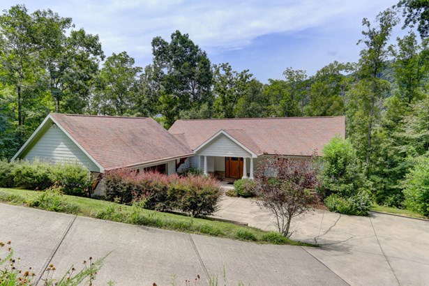 2 Story,Residential, Traditional - Washburn, TN