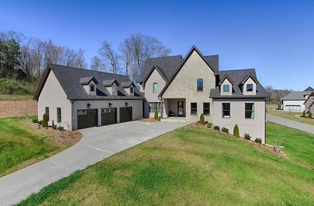 Contemporary,Traditional, 2 Story Basement,Residential - Knoxville, TN (photo 1)