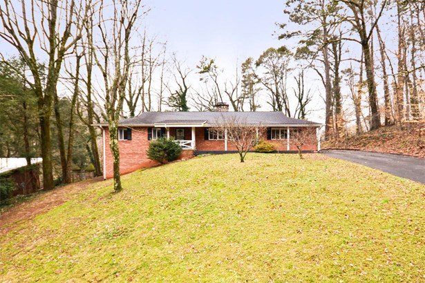 Basement Ranch,Residential, Traditional - Knoxville, TN (photo 2)