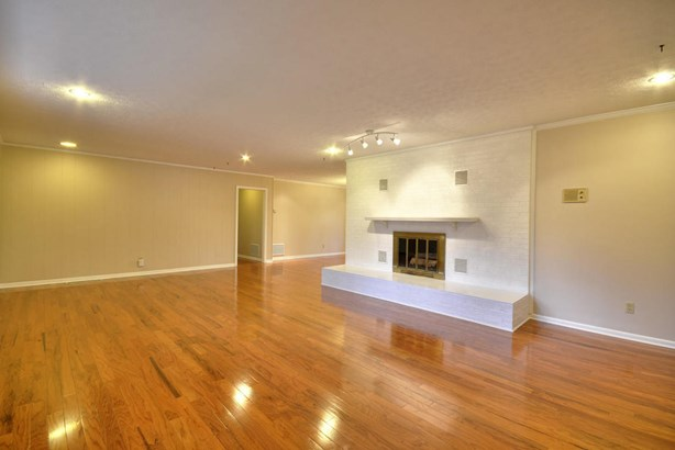 Basement Ranch,Residential, Traditional - Knoxville, TN (photo 3)