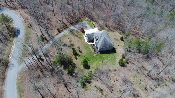 Basement Ranch,Residential, Traditional - Lafollette, TN (photo 3)