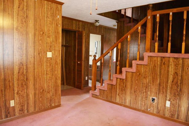 2 Story,Residential, Cabin - Caryville, TN (photo 3)
