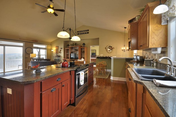 Basement Ranch,Residential, Chalet,Traditional - Lafollette, TN (photo 5)