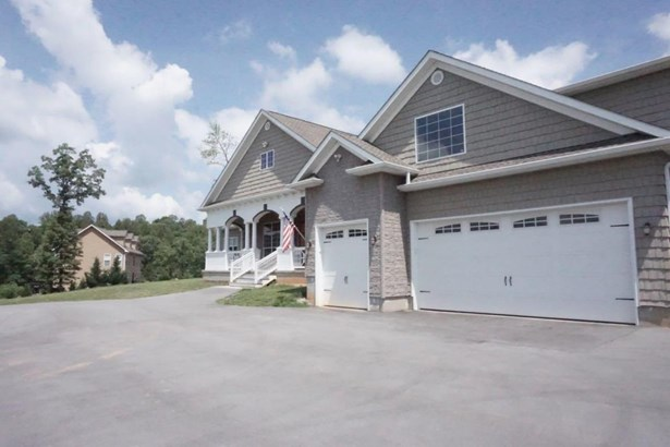 1 1/2 Story,Residential, Traditional - Sharps Chapel, TN