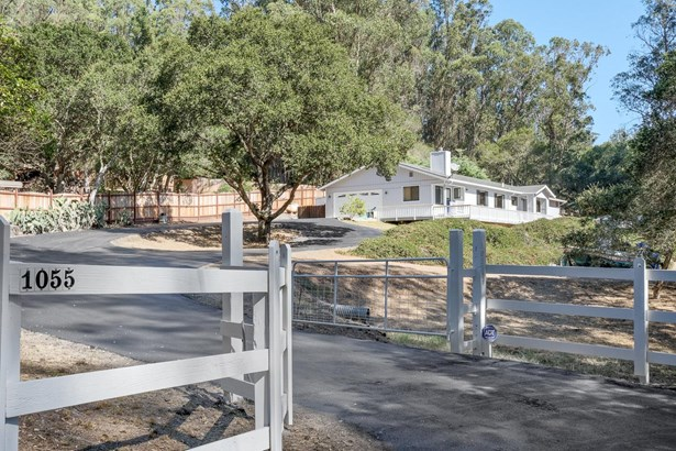 Single Family Home, Ranch - ROYAL OAKS, CA