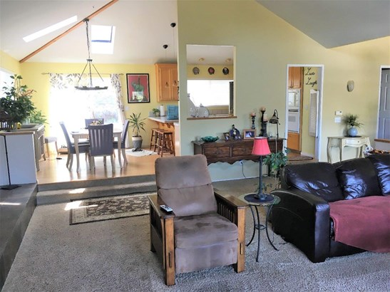 Ranch, Detached - WATSONVILLE, CA (photo 3)