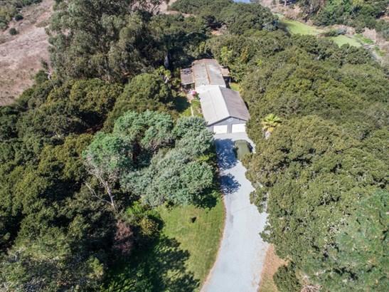 Detached - ROYAL OAKS, CA (photo 2)