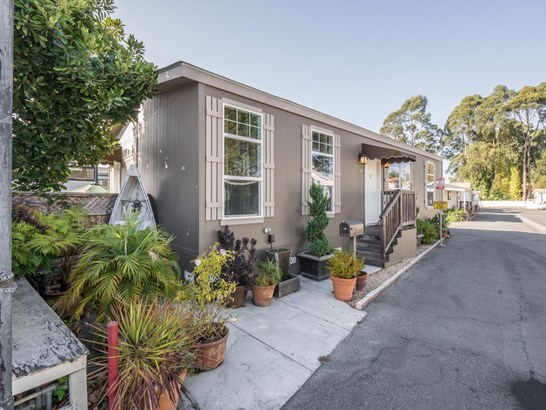 Residential Mobile Home - SANTA CRUZ, CA (photo 3)