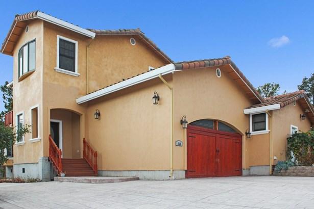 Single Family Home - ROYAL OAKS, CA