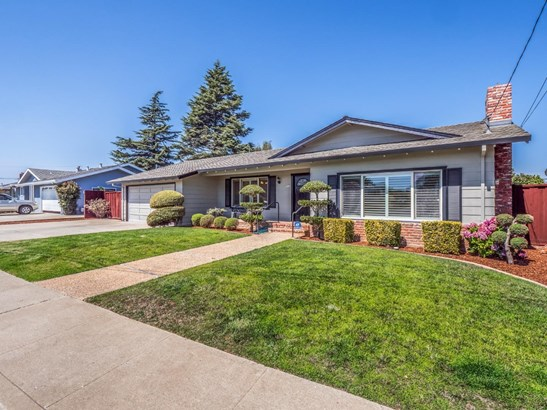 Single Family Home - WATSONVILLE, CA