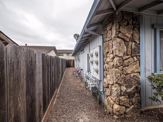 Residential Income - HOLLISTER, CA (photo 4)
