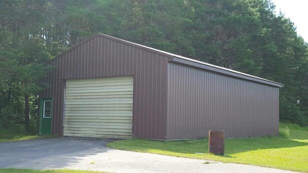 Pole Barn/Garage (photo 4)
