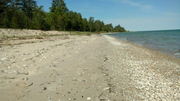 North on Beach (photo 5)