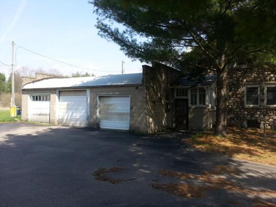 Attached 3 Car Garage (photo 5)