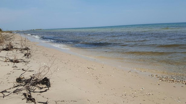 11 Sandy Beach (photo 1)