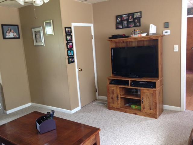 Livingroom 1 (photo 5)