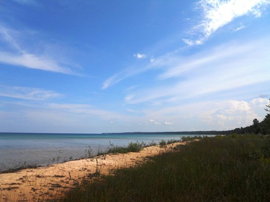 Lake Huron (photo 2)