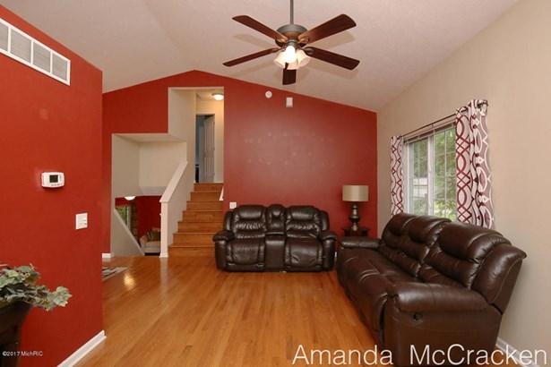 6874 Living Room 1 (photo 3)