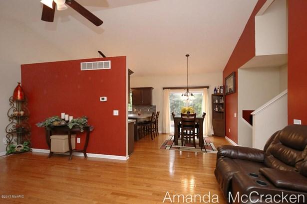 6874 Living Room 2 (photo 4)