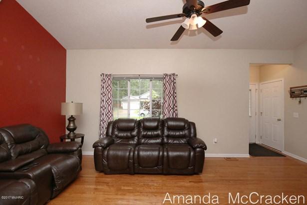 6874 Living Room 3 (photo 5)