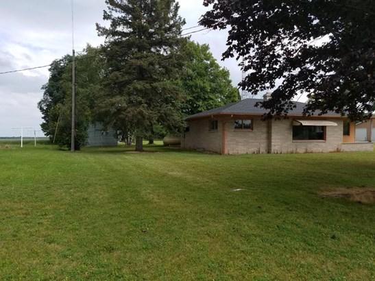 Side Property Line (photo 5)