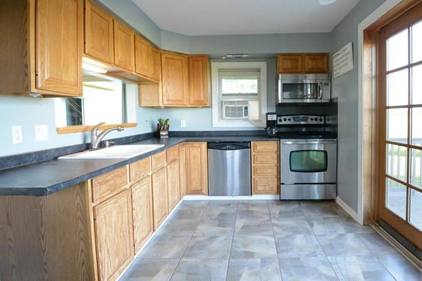 kitchen-2 (photo 3)