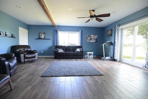 living-room-1 (photo 5)