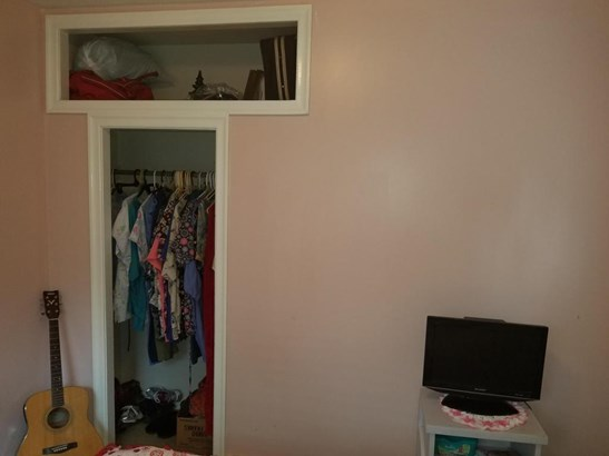 Ample Closet (photo 4)