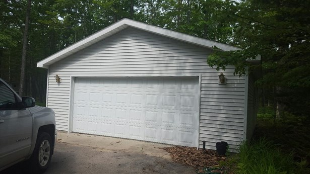 3a Front of Garage (photo 4)