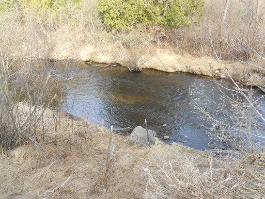 Property on Both Sides of Pige (photo 3)