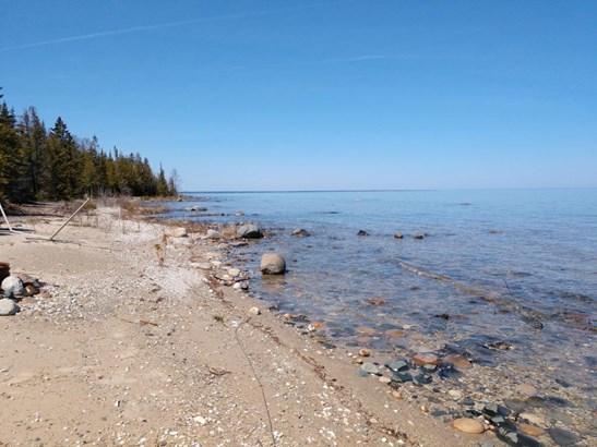 Beach (photo 3)