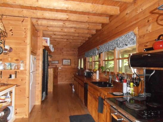 Kitchen 2a (photo 4)