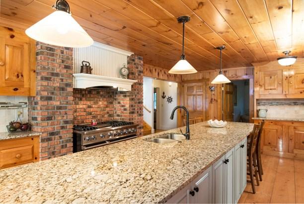 Kitchen Again (photo 5)