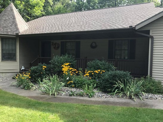 Landscaped with Perennials (photo 2)