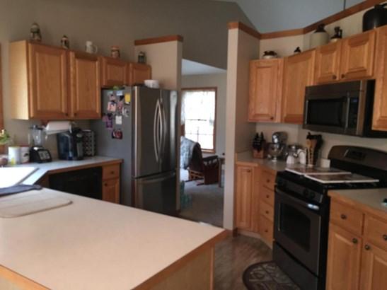 Bright Kitchen Again (photo 4)
