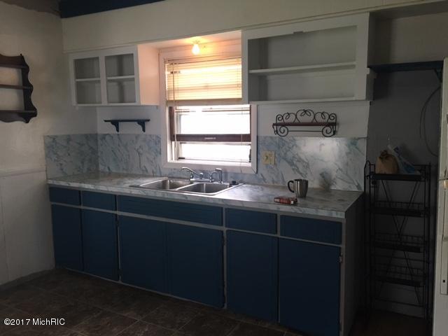 904 Alpine Kitchen (photo 2)
